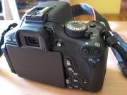 зеркальный фотоаппарат в идеальном сост. имеется гарантийный талон
