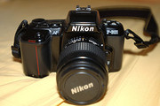 Nikon D5000 12.3 MP DX Digital SLR Camera with 18-55mm f/3.5-5.6G